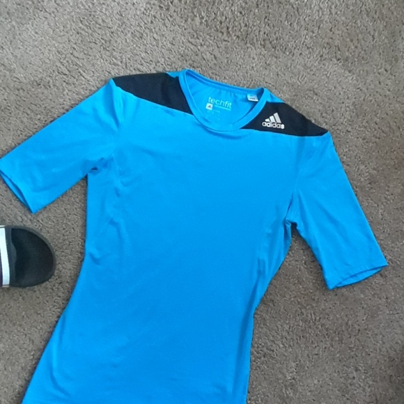 t shirt adidas techfit compression